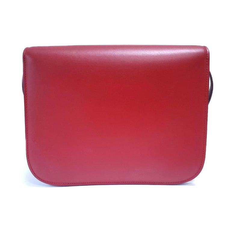 Celine Medium Classic Red Leather Shoulder Bag In Excellent Condition For Sale In Columbia, MO