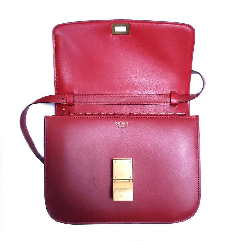 Celine Medium Classic Red Leather Shoulder Bag For Sale 2