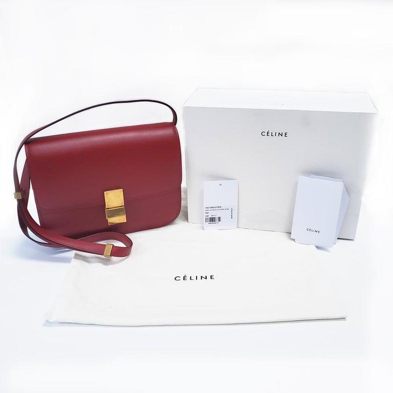 Celine Medium Classic Red Leather Shoulder Bag For Sale 4