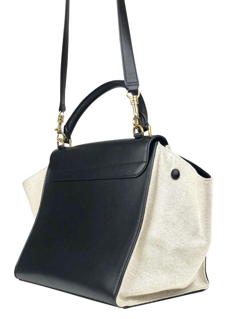 Women's or Men's Céline Medium Trapeze Bag For Sale