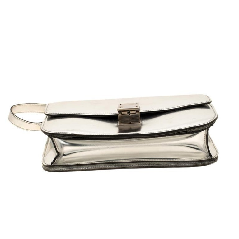 Women's Celine Metallic Silver Leather Medium Classic Box Shoulder Bag For Sale