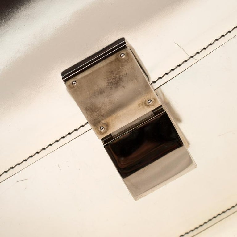 Celine Metallic Silver Leather Medium Classic Box Shoulder Bag For Sale 3