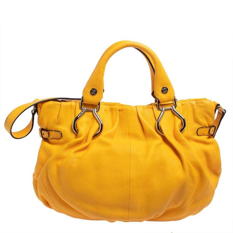 Celine Mustard Leather Tote In Good Condition For Sale In Dubai, Al Qouz 2