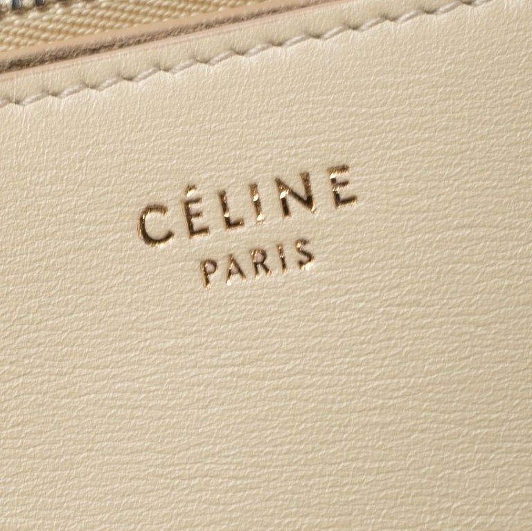 Celine Nude Leather Blade Chain Shoulder Bag In Good Condition For Sale In Dubai, Al Qouz 2