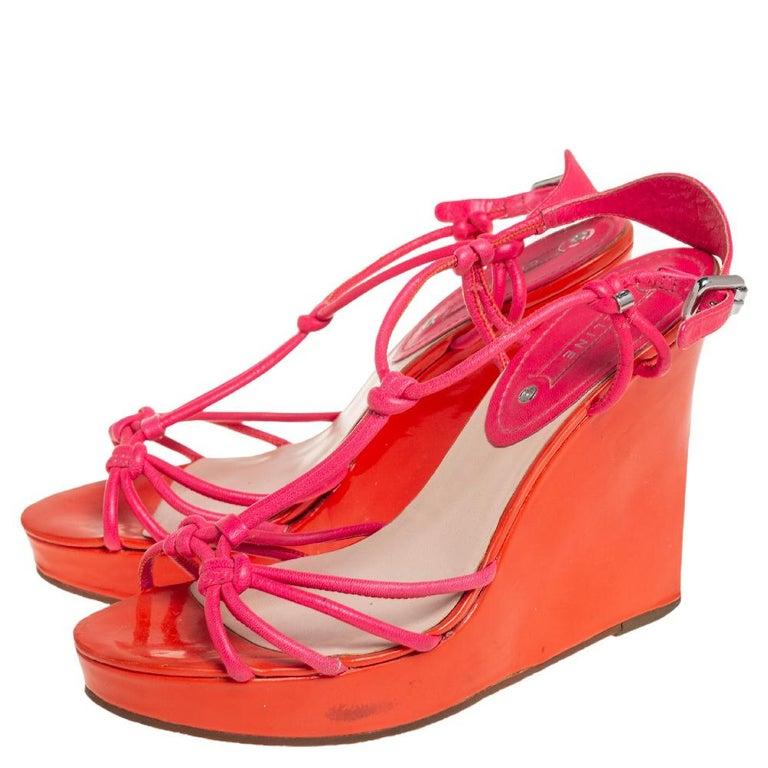 Celine Orange/Pink Leather Wedge Sandals Size 39 In Good Condition For Sale In Dubai, Al Qouz 2