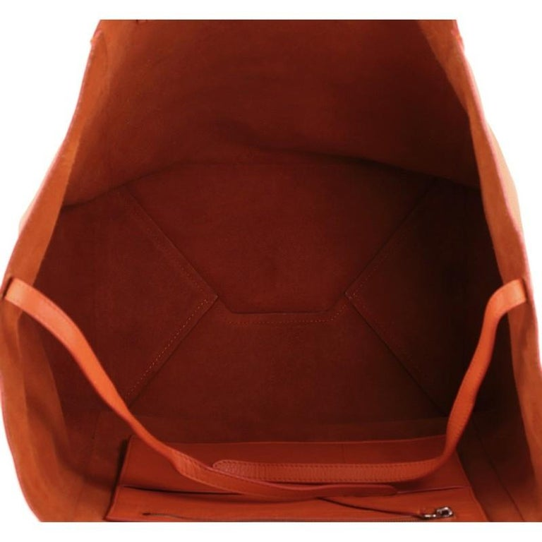 Women's or Men's Celine Phantom Cabas Tote Leather Large For Sale