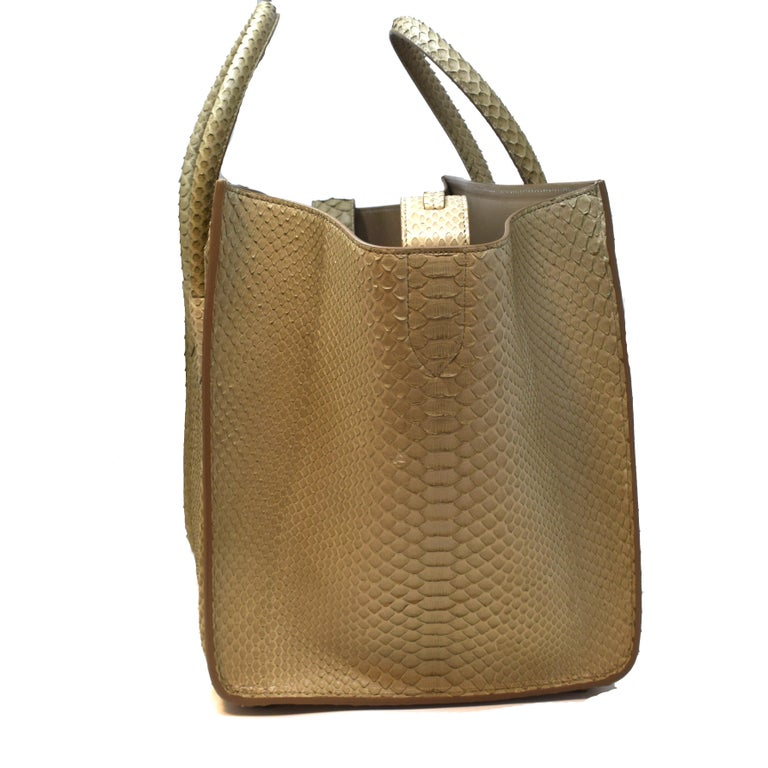 Cèline Phantom Luggage Python Snakeskin Beige Sand Color Large Purse In Good Condition For Sale In Miami, FL