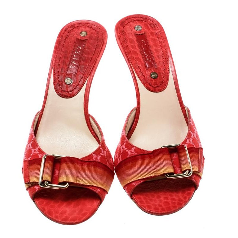 Celine Red Croc Embossed Leather And Fabric Slide Sandals Size 36 In Good Condition For Sale In Dubai, Al Qouz 2