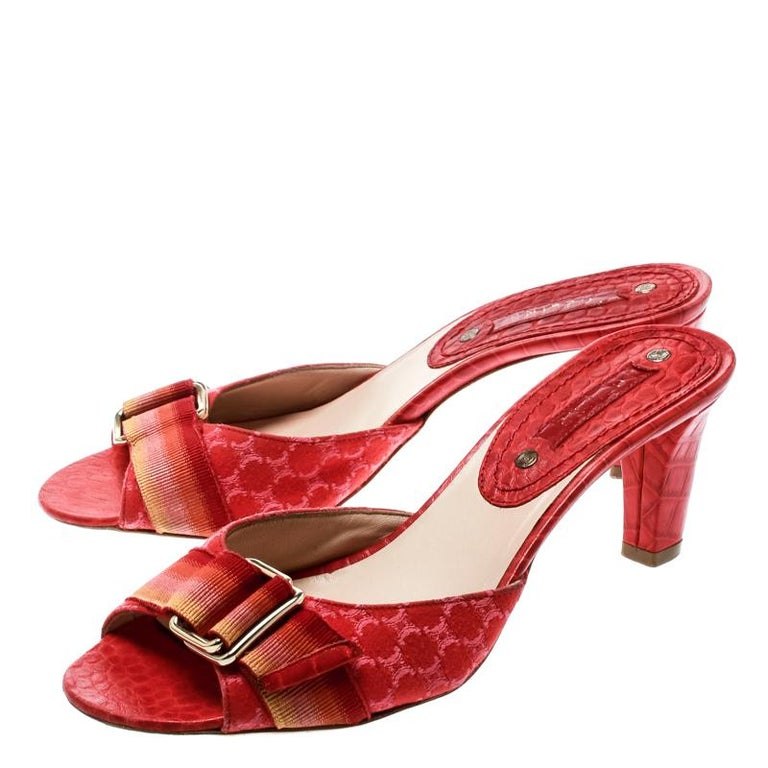 Women's Celine Red Croc Embossed Leather And Fabric Slide Sandals Size 36 For Sale