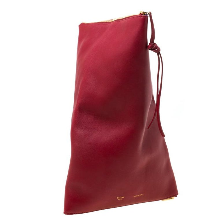 Part of Céline's A/W 2013 collection, this clutch is designed in a pyramid shape and is inspired by