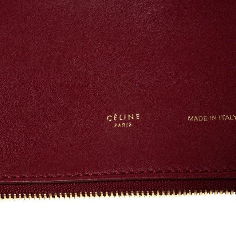 Céline Red Leather Berlingot Clutch In Excellent Condition For Sale In Dubai, Al Qouz 2