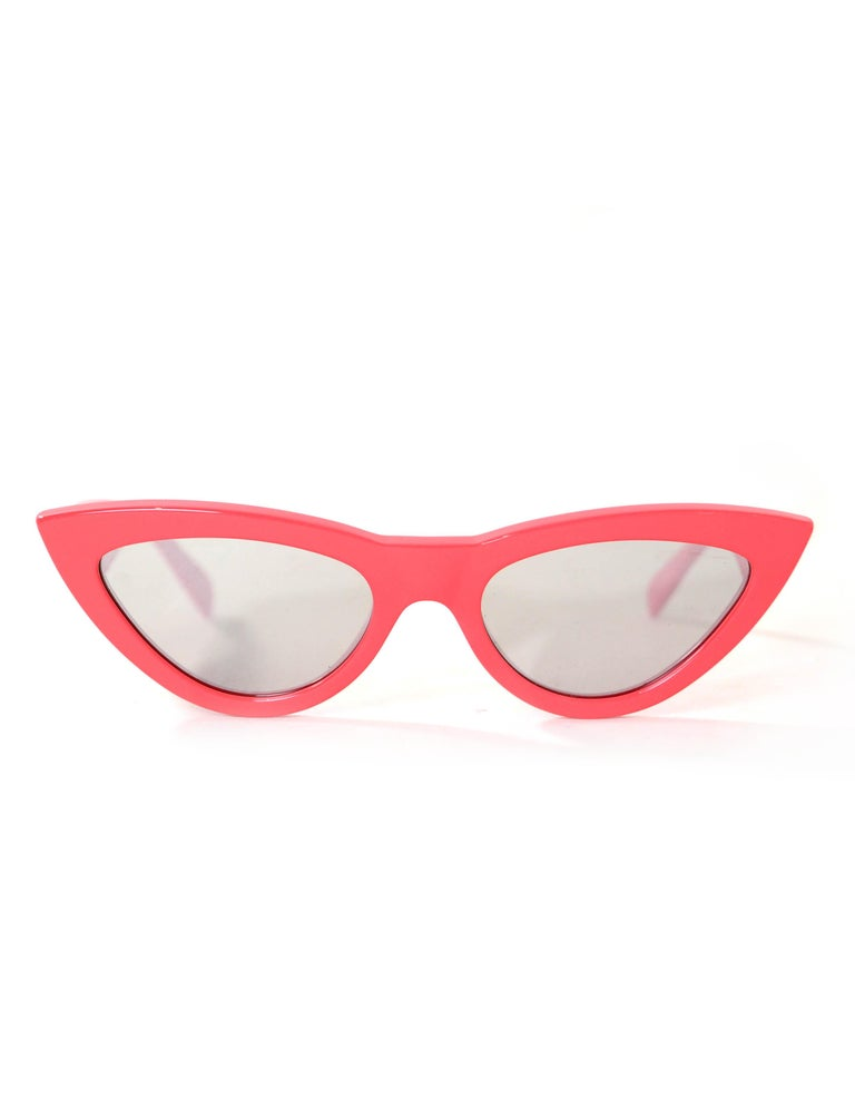 Celine Red Mirrored 56MM Cat Eye Sunglasses rt. $460 In Excellent Condition For Sale In New York, NY