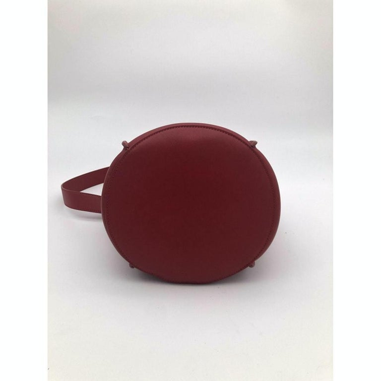 Women's CÉLINE sangle Shoulder bag in Red Leather For Sale
