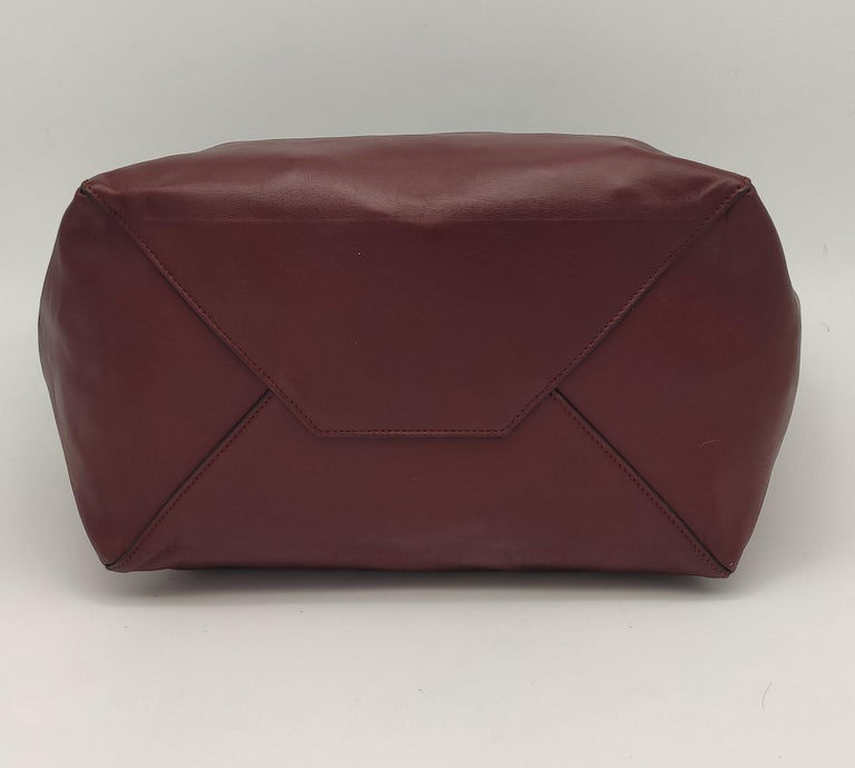 CÉLINE Shoulder bag in Burgundy Leather In New Condition For Sale In Clichy, FR