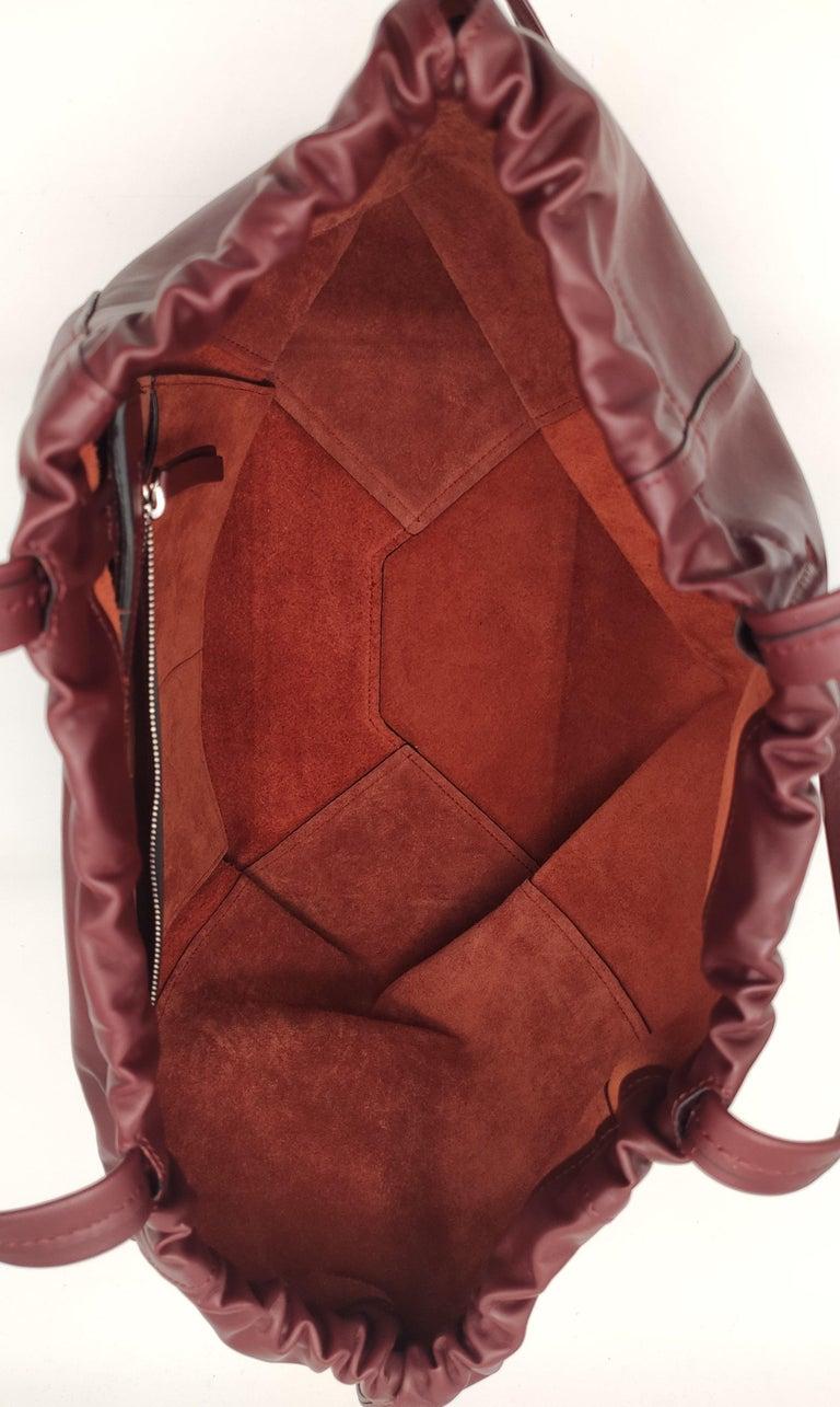 Women's CÉLINE Shoulder bag in Burgundy Leather For Sale