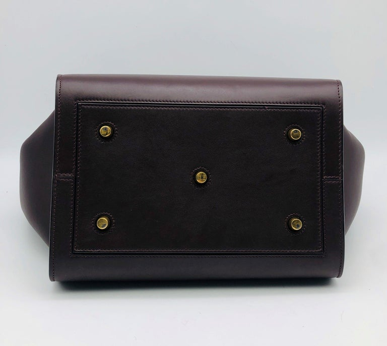 CÉLINE Tie Shoulder bag in Burgundy Leather In Excellent Condition For Sale In Clichy, FR