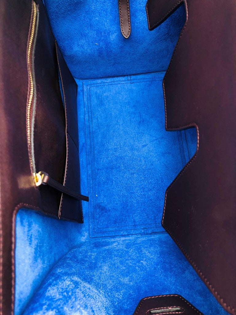 Women's CÉLINE Tie Shoulder bag in Burgundy Leather For Sale
