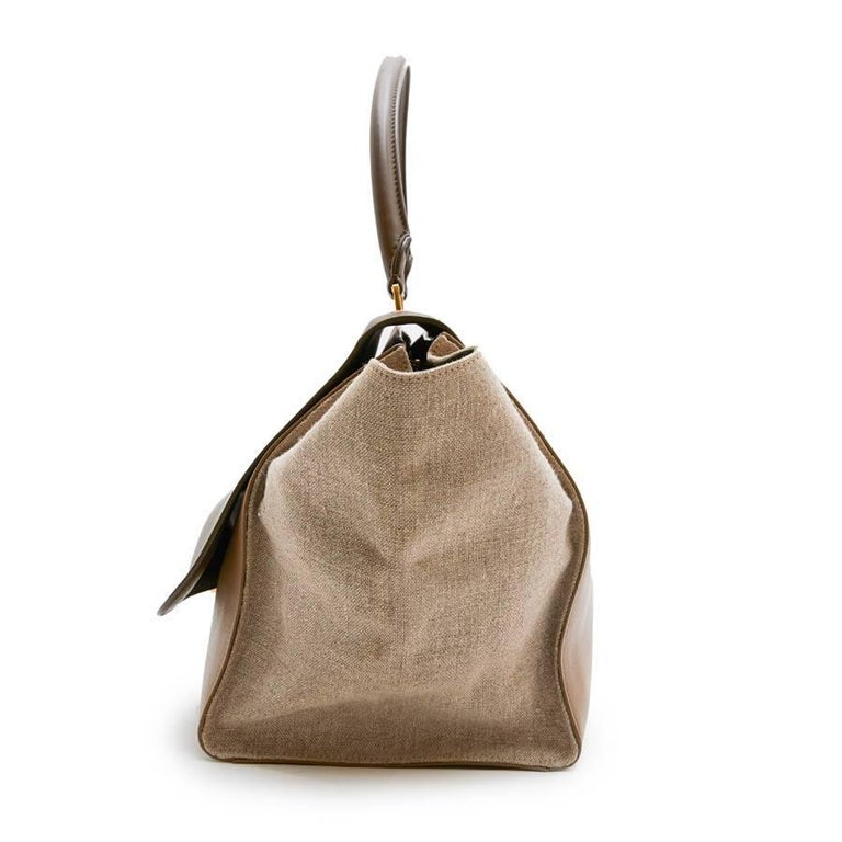 bb6c87e0bcbe CELINE  Trapeze  Bag in Beige and Brown leather and Linen In Excellent  Condition For