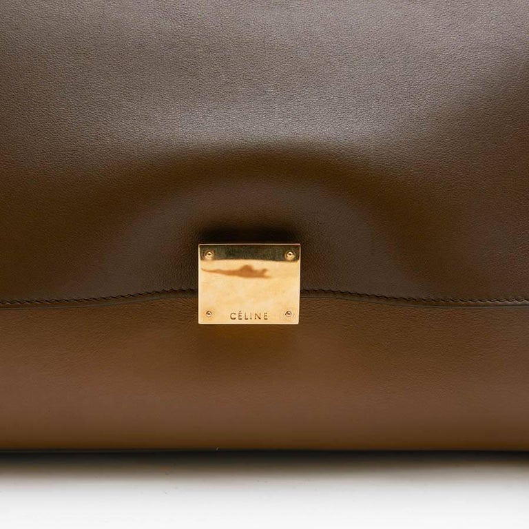fdead5c5e4bc CELINE  Trapeze  Bag in Beige and Brown leather and Linen For Sale ...