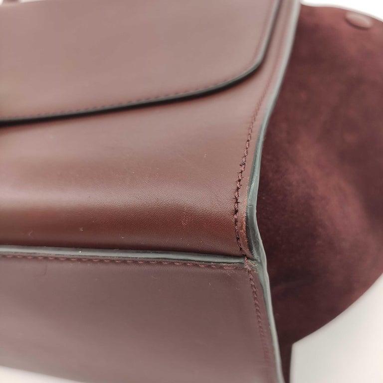 CÉLINE Trapeze Shoulder bag in Burgundy Leather For Sale 9