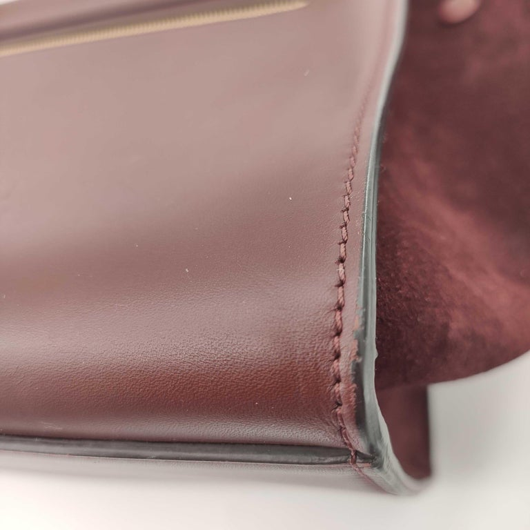 CÉLINE Trapeze Shoulder bag in Burgundy Leather For Sale 11