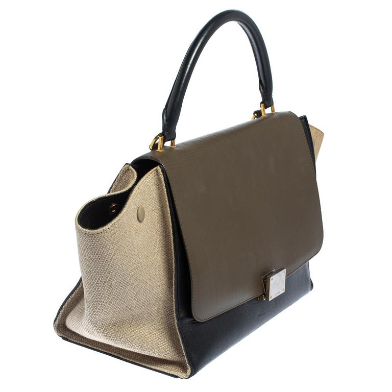 Celine Tri Color Leather and Canvas Medium Trapeze Bag In Fair Condition For Sale In Dubai, Al Qouz 2