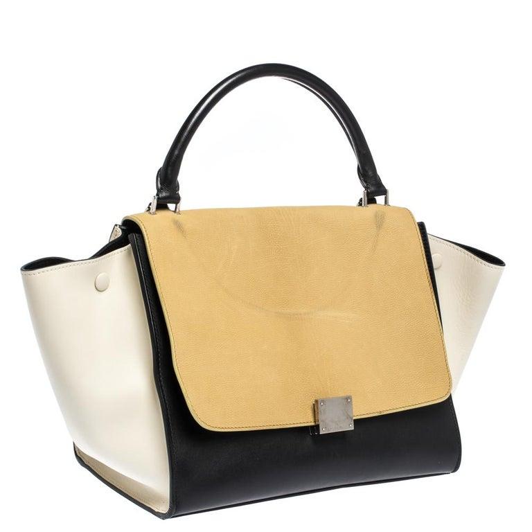 Celine Tri Color Nubuck and Leather Medium Trapeze Bag In Good Condition For Sale In Dubai, Al Qouz 2