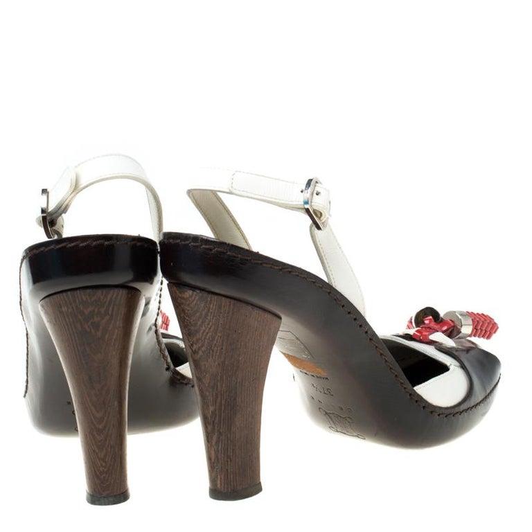 Celine Tri Color Tassel Leather Slingback Sandals Size 37.5 In Good Condition For Sale In Dubai, Al Qouz 2