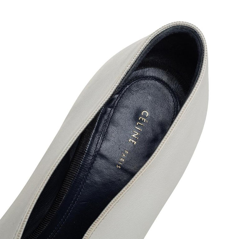 Celine White Leather V-Neck Pointed Toe Pumps Size 38 For Sale 1