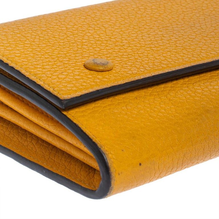 Celine Yellow Leather Large Multifunction Flap Wallet For Sale 6