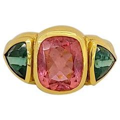 Cellini 18 Karat Yellow Gold 6.63 Carat Rubellite and Green Tourmaline Ring