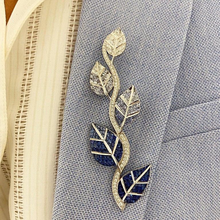 Cellini 18 Karat Gold Diamonds and Invisibly Set Ombre Blue Sapphire Leaf Brooch In New Condition For Sale In New York, NY