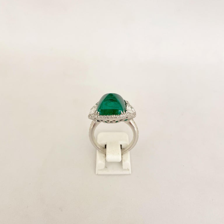 10.58 Carat Sugarloaf Cabochon Emerald and Diamond Ring For Sale 2