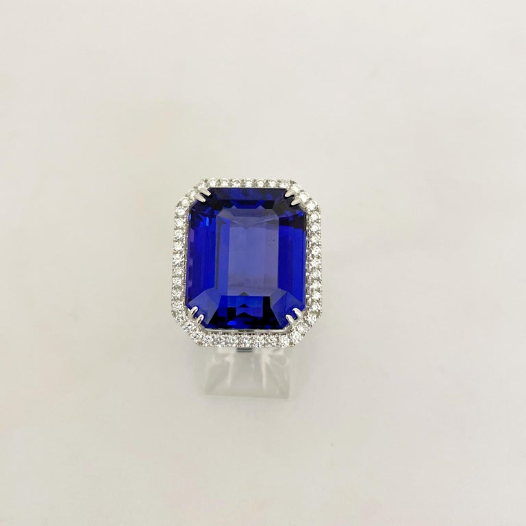 Women's or Men's Cellini Jewelers 18KT Gold, 32.27 Carat Tanzanite Ring with 1.45 Carat Diamonds For Sale
