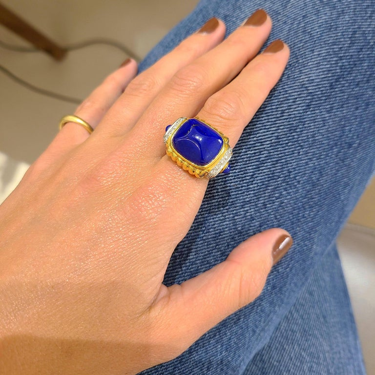 18 Karat Yellow Gold Ring with Lapis Lazuli and Diamond Ring For Sale 1