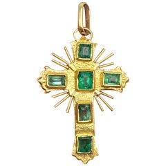 Celtic 1.50 Carat Emerald Cross 18 Karat Yellow Gold