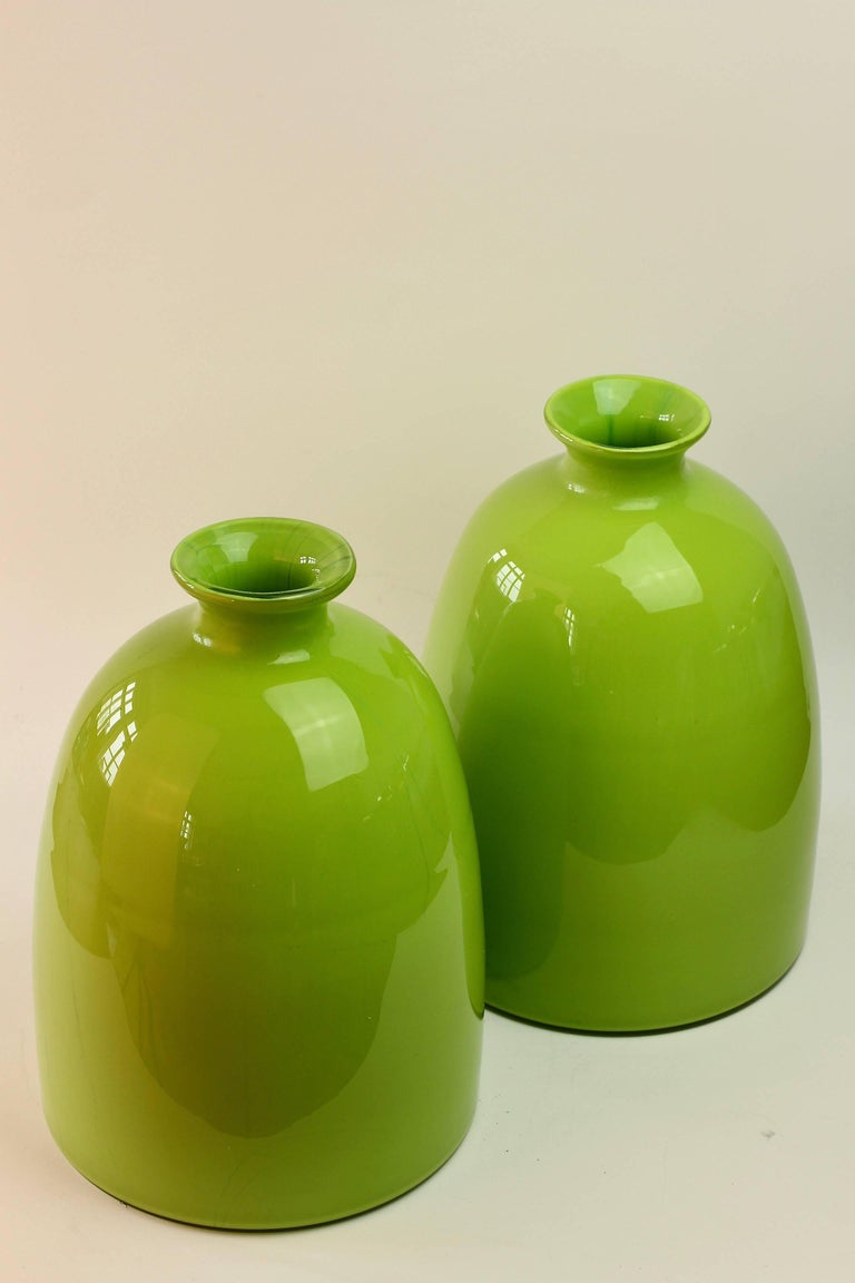 Mid-Century Modern Colorful Tall Pair of Green Vintage Italian Murano Glass Vases by Cenedese For Sale