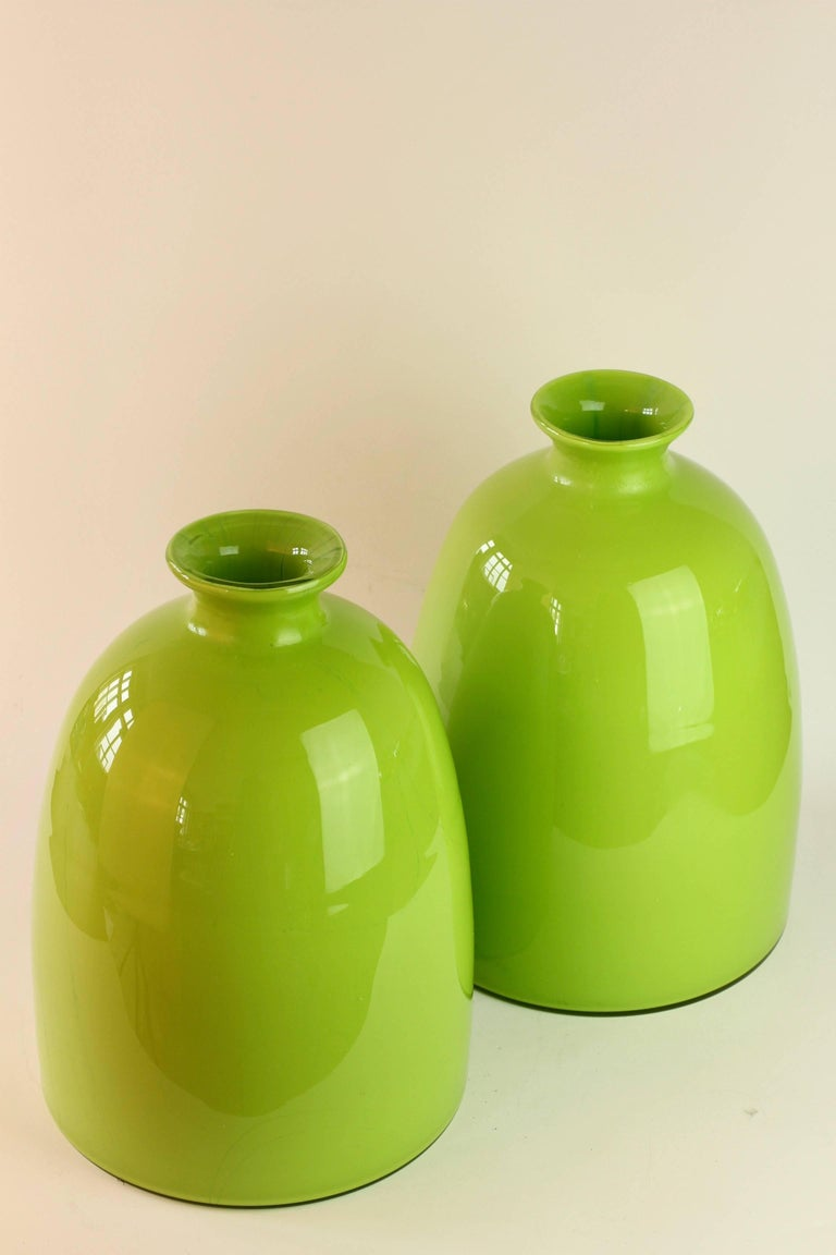 Colorful Tall Pair of Green Vintage Italian Murano Glass Vases by Cenedese In Good Condition For Sale In Landau an der Isar, Bayern