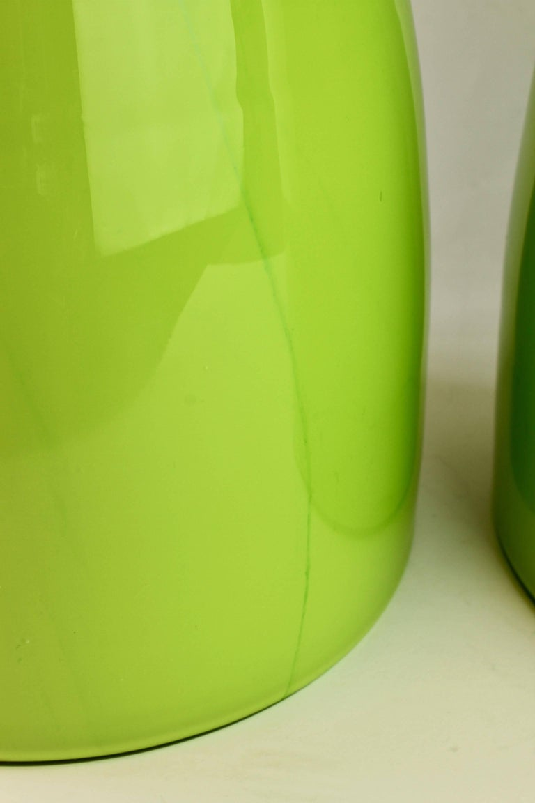 Colorful Tall Pair of Green Vintage Italian Murano Glass Vases by Cenedese For Sale 1