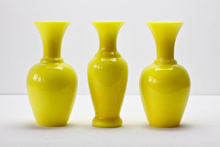 Cenedese Trio von hellen gelben Vintage italienische Murano Art Glasvasen, 1960er Jahre 4