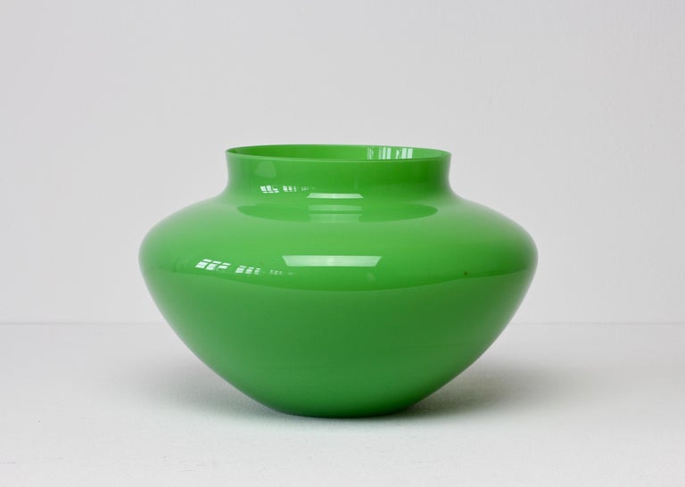 Cenedese Large Vintage Mid-Century Green Italian Murano Glass Vase 3