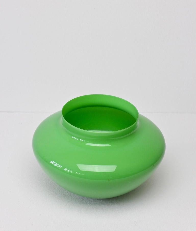 Cenedese Large Vintage Mid-Century Green Italian Murano Glass Vase 4