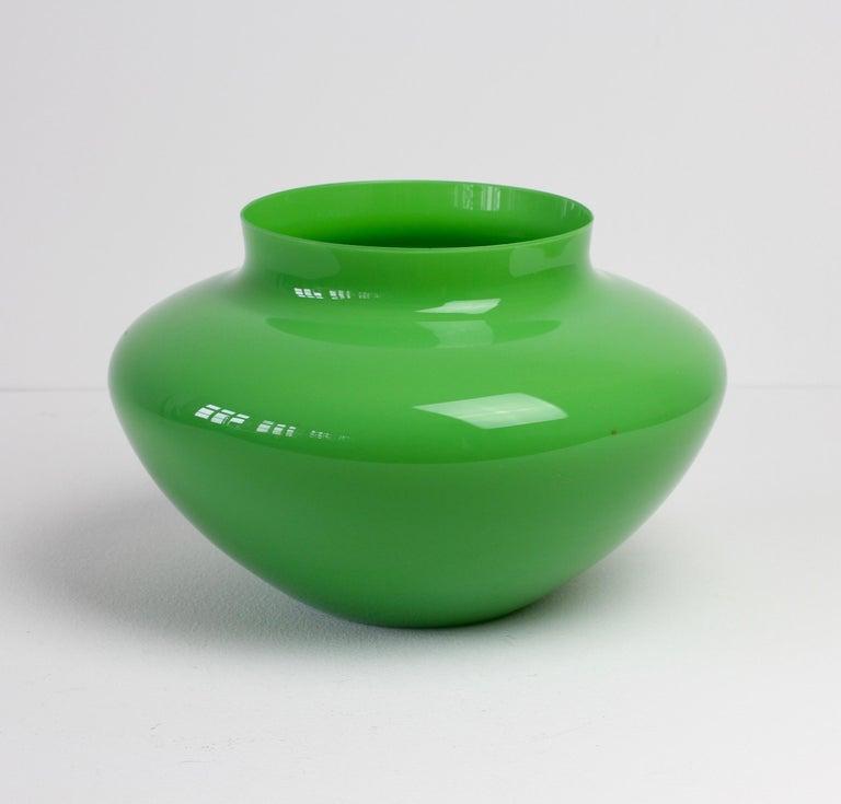 Cenedese Large Vintage Mid-Century Green Italian Murano Glass Vase 5