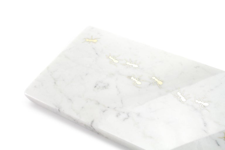 Modern Centerpiece, Serving Plate in Carrara Marble Made in Italy by Pieruga Marble For Sale