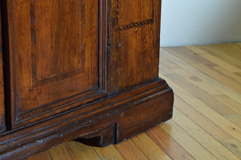 Central Italian Walnut and Inlaid Credenza, Early 19th Century For Sale 9