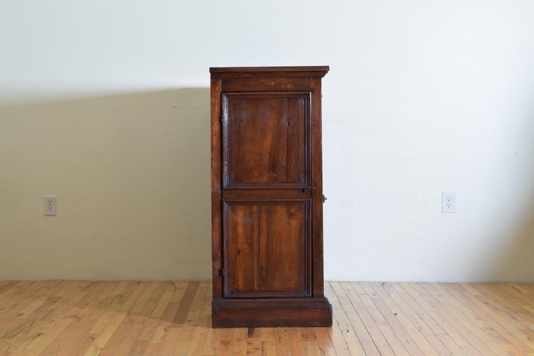 Central Italian Walnut and Inlaid Credenza, Early 19th Century For Sale 1