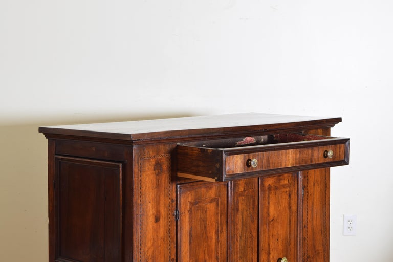 Central Italian Walnut and Inlaid Credenza, Early 19th Century For Sale 3