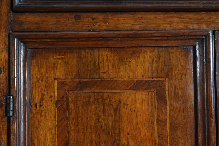 Central Italian Walnut and Inlaid Credenza, Early 19th Century For Sale 5