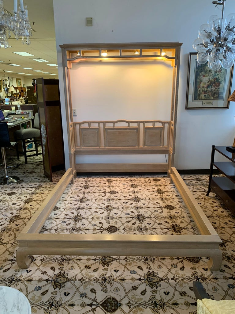 American Century Furniture Company Ray Sabota Designed Illuminated Alcove Queen Size Bed  For Sale