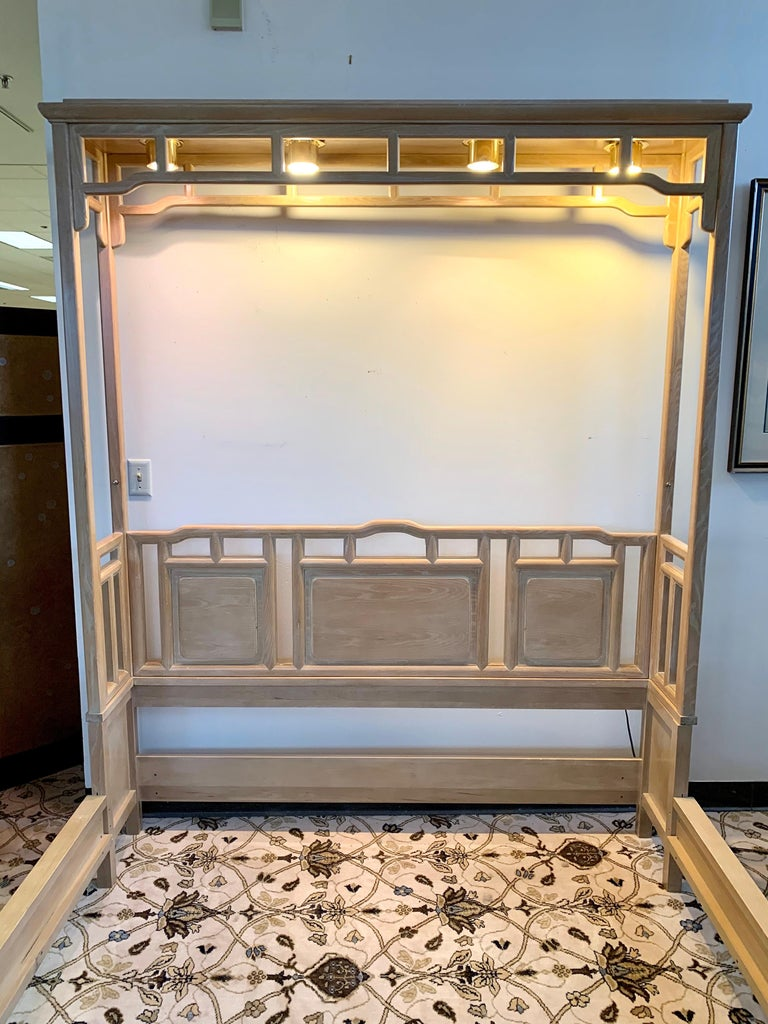 Century Furniture Company Ray Sabota Designed Illuminated Alcove Queen Size Bed  In Good Condition For Sale In West Hartford, CT